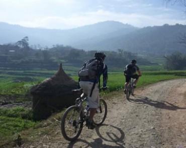 Muktinath-Pokhara Biking